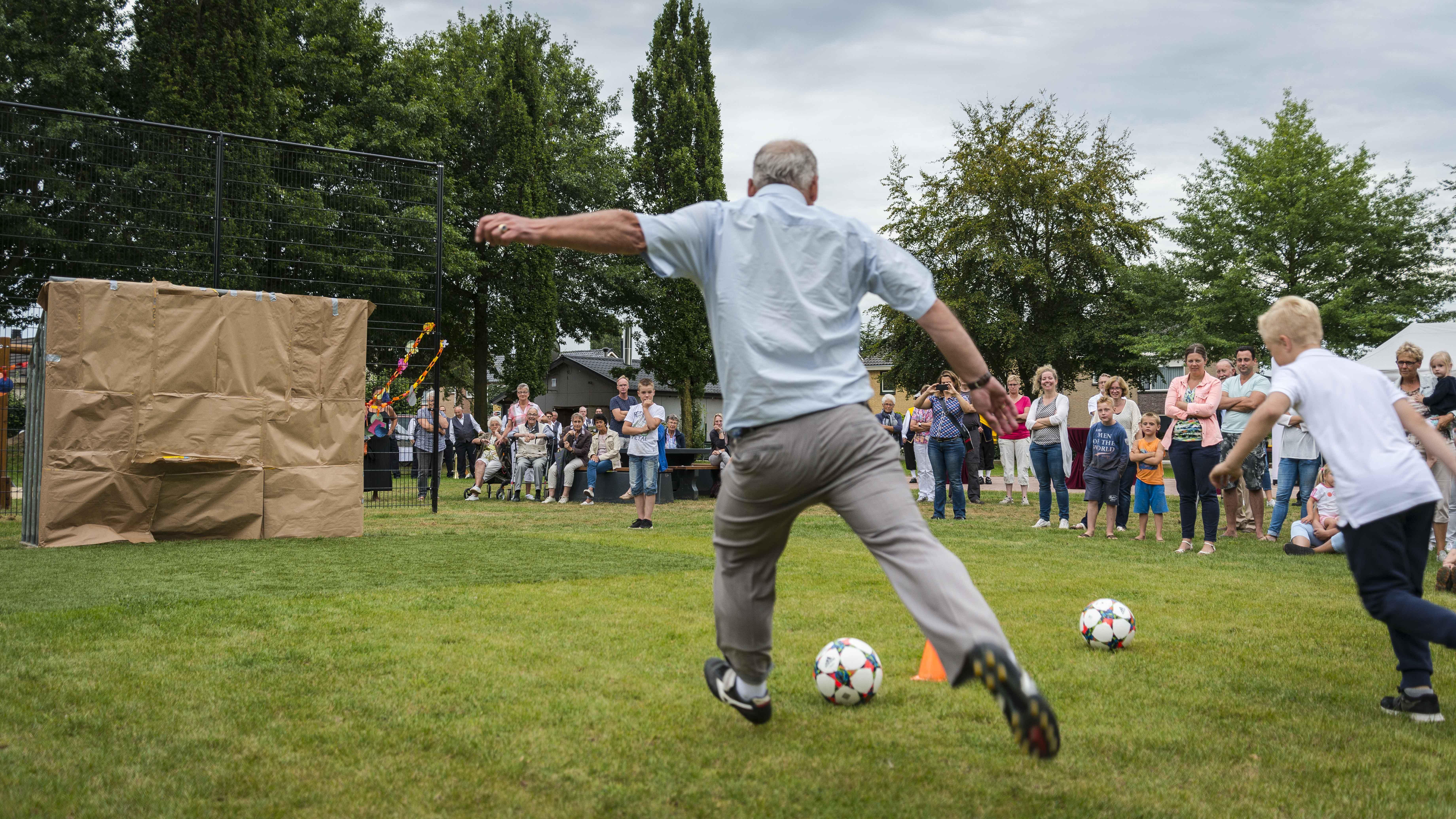 Vernieuwd speelveld in Nederasselt (2-9-2016)